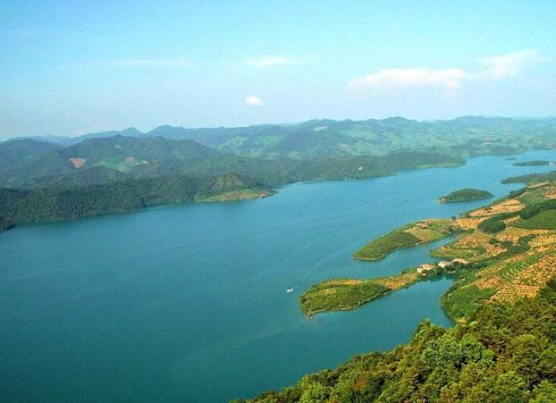 > 百色澄碧湖[ 收藏  【切换】 桂林攻略   风景婉约秀丽的澄碧湖